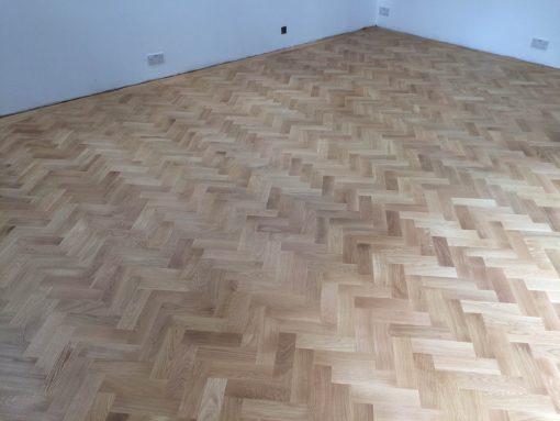 Solid oak Herringbone wood blocks