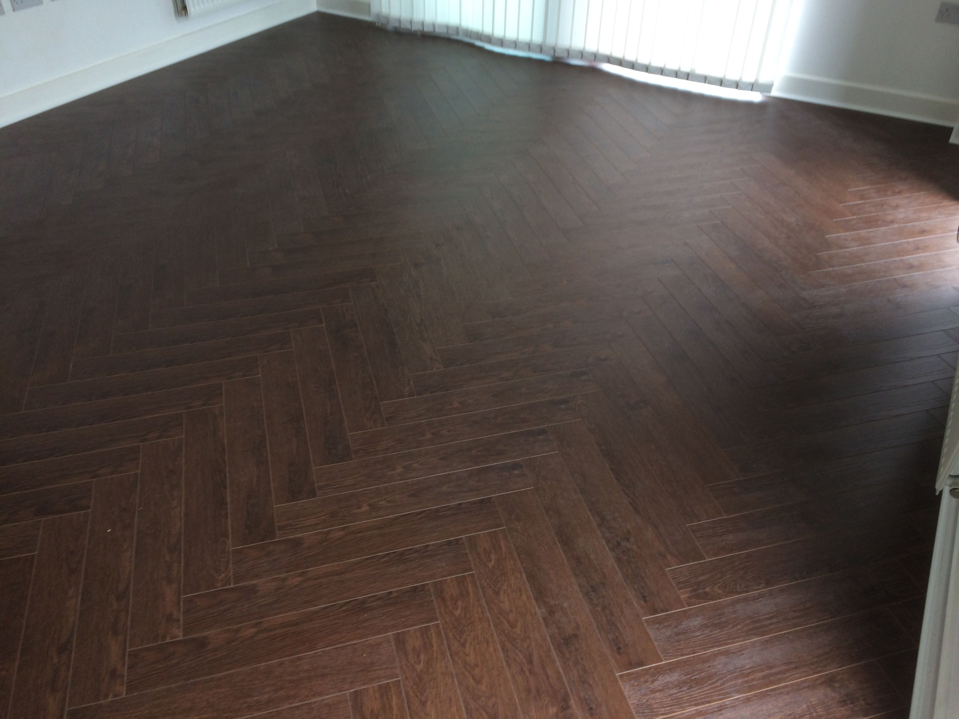 Laminated walnut herringbone wood blocks london stock for Parquet hardwood flooring