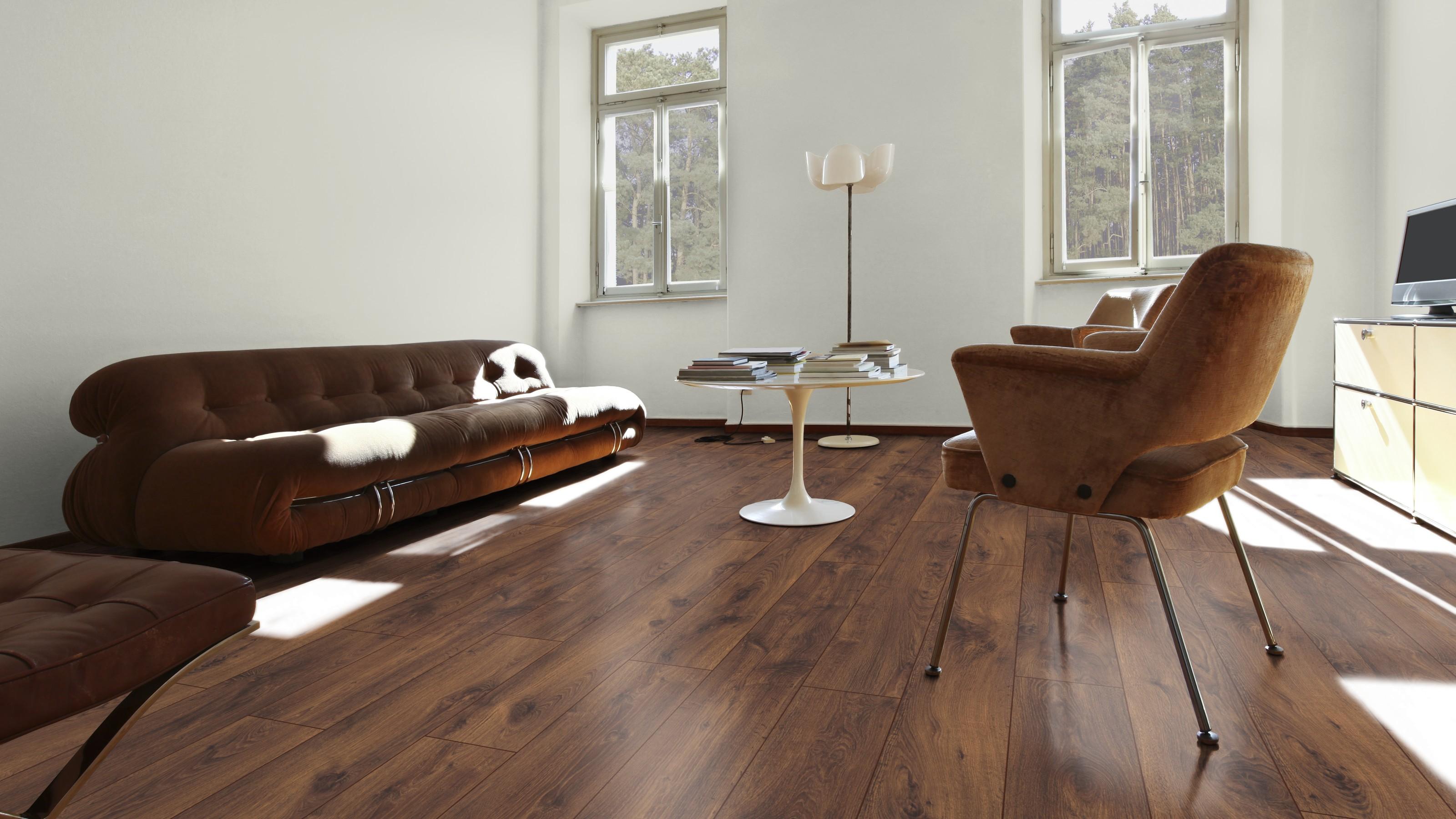 Loft oak villeroy boch london premium laminate flooring for Laminate flooring london