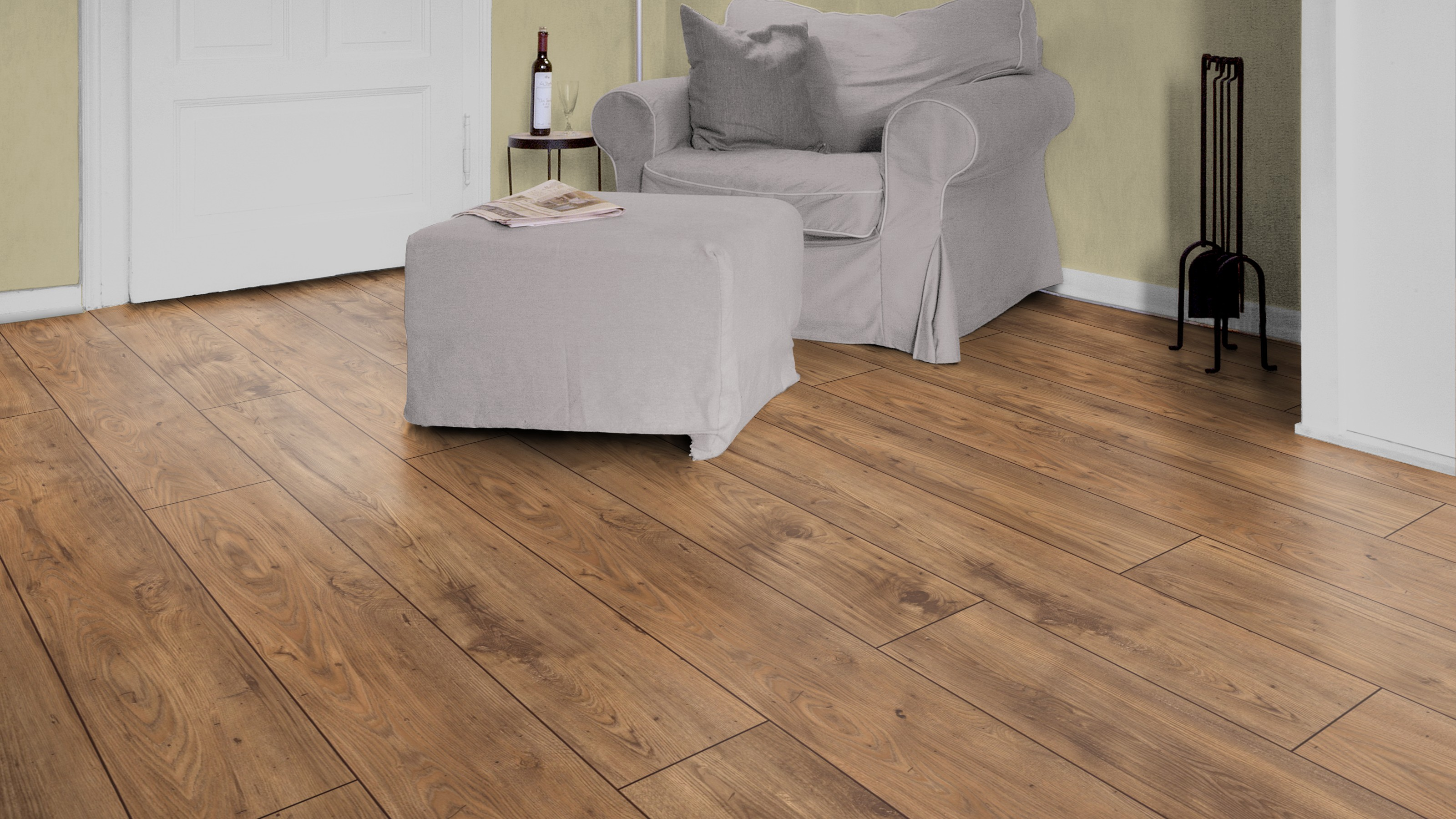 Present chestnut villeroy boch london premium laminate for Laminate flooring london