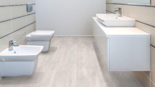 LA02 - ter Hürne Oak Pearl White Laminate Plank - Bathroom