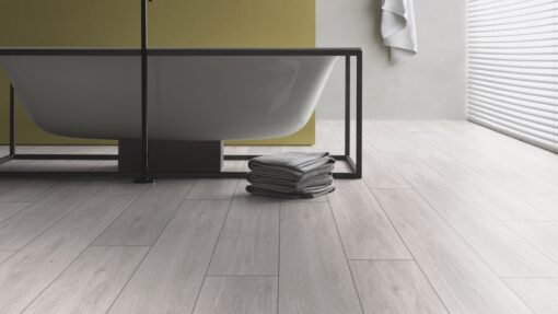 LA04 - ter Hürne Oak pastel white Laminate Long Plank - Bathroom