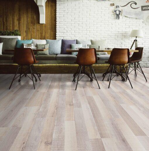 LA05 - ter Hürne Oak Plane-Marked Grey White Laminate 2-Strip - Living Room