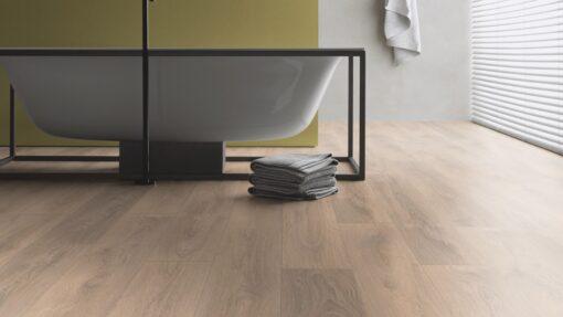 LA10 - ter Hürne Oak Sand Brown Laminate Plank - Bathroom