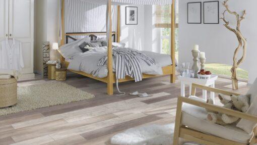 LA11 - ter Hürne Old Wood Vario Laminate Plank - Bedroom