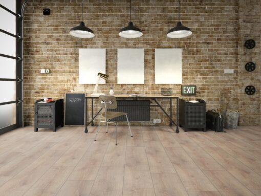 LB05 - ter Hürne Oak Light Brown Laminate Wide Plank - Living Room