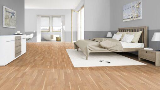 LB05a - ter Hürne Oak Sapwood Beige Laminate 3-Strip - Bedroom