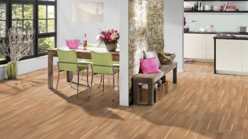 LB05a - ter Hürne Oak Sapwood Beige Laminate 3-Strip - Kitchen