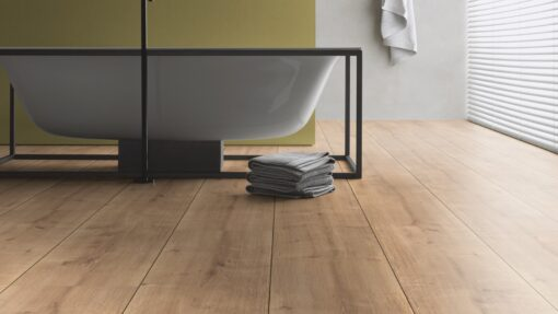 LB06 - ter Hürne Oak Cumberland Pale Brown Laminate Extra-Wide Plank - Bathroom