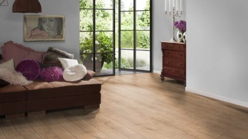 LB06 - ter Hürne Oak Cumberland Pale Brown Laminate Extra-Wide Plank - Bedroom