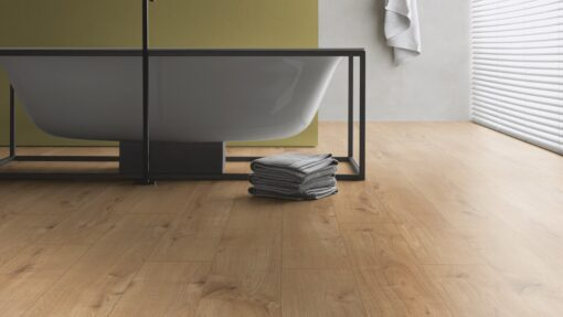 LB07 - ter Hürne Oak Gold Brown Laminate Plank - Bathroom