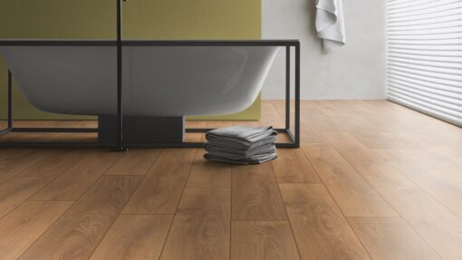LB08 - ter Hürne Oak October Brown Laminate Plank - Bathroom