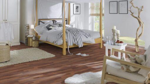 LD08a - ter Hürne Walnut Contrast Brown Laminate 3-Strip - Bedroom