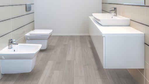 LE04 - ter Hürne Oak Silver Grey Laminate Plank - Bathroom