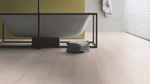 LT02 - ter Hürne Oak Tea House Laminate Wide Plank - Bathroom
