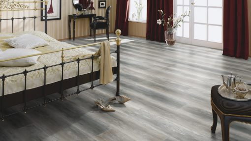 LT09 - ter Hürne Oak Dancefloor Laminate Wide Plank - Bedroom