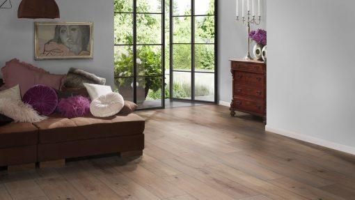 LT10 - ter Hürne Oak Whisky Lounge Laminate Wide Plank - Bedroom