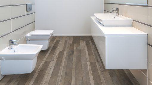 LT11 - ter Hürne Oak Bodega Laminate Wide Plank - Bathroom