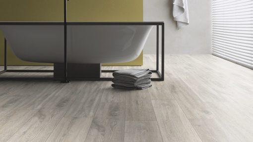 LT14 - ter Hürne Oak Loft Laminate Plank - Bathroom