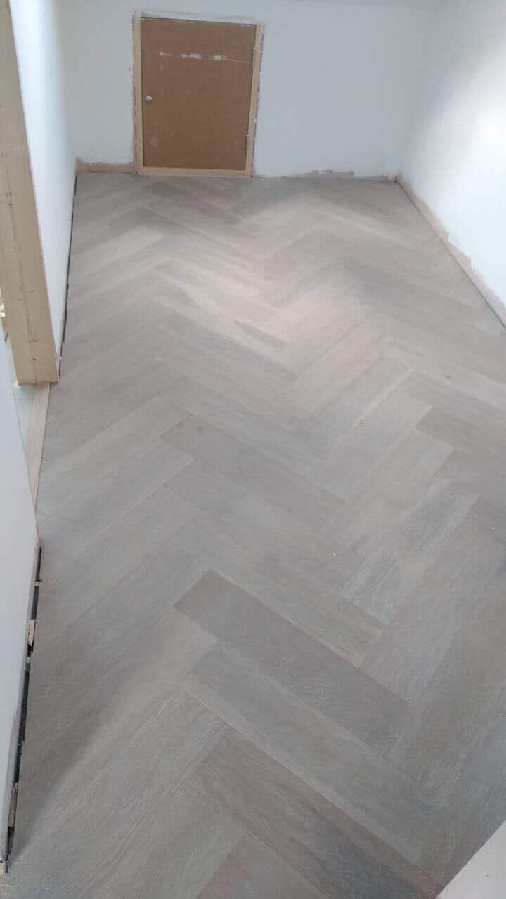 Limed And White Oiled Engineered Oak Herringbone Wood